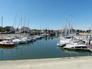 Vue sur le port depuis le club-house du CNAR