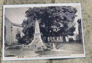 Carte postale monuments aux morts d'Ars-en-Ré