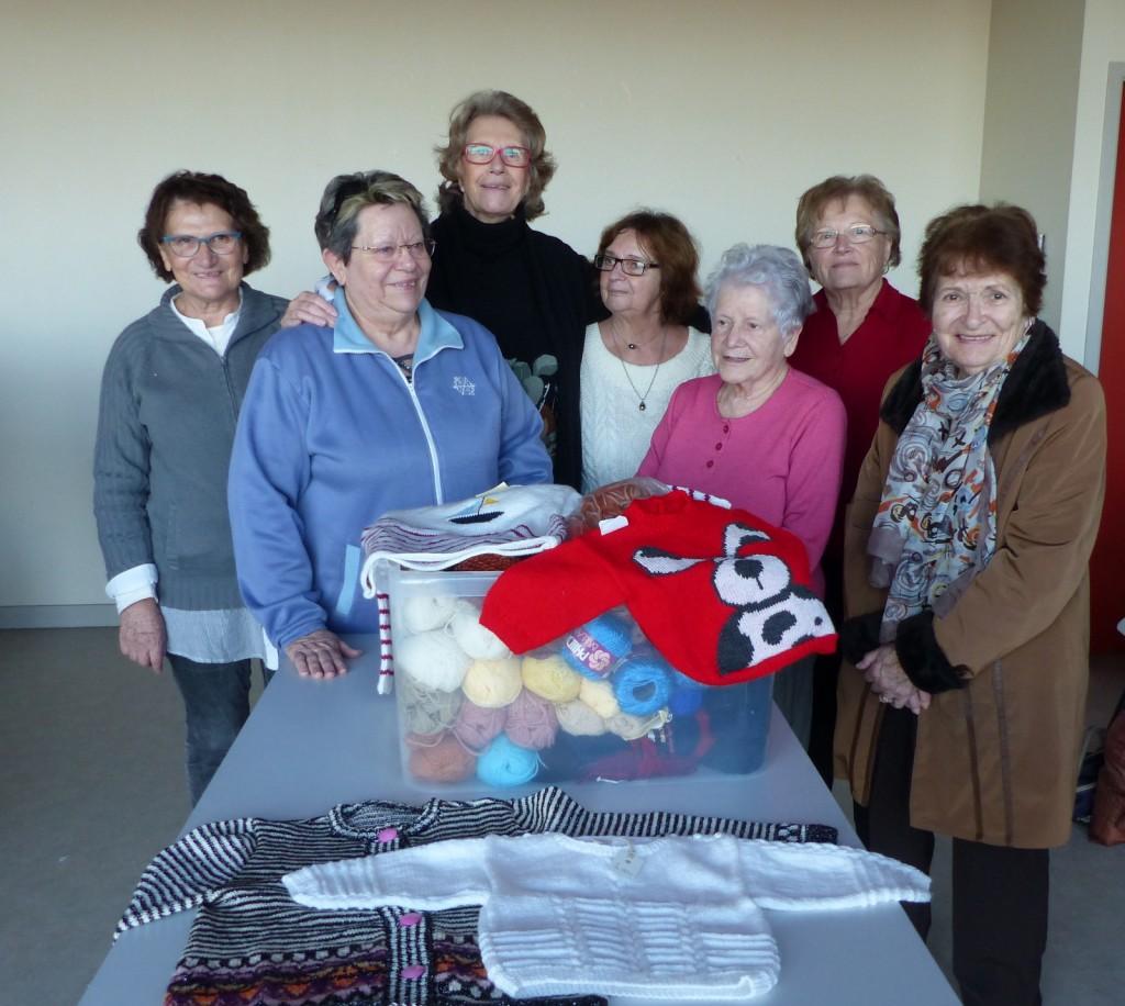 Mamies tricoteuses des Amis d'Arbollé - 10 décembre 2016