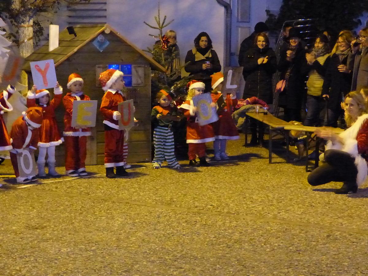 Loix - Noël de l'école maternelle - 19 décembre 2017