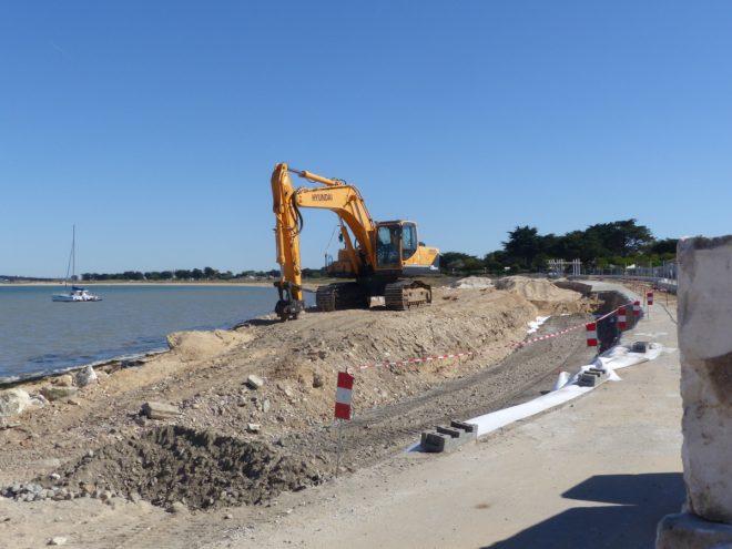 Rivedoux - Travaux digue du port - Pelle à chenilles - 5 octobre 2018