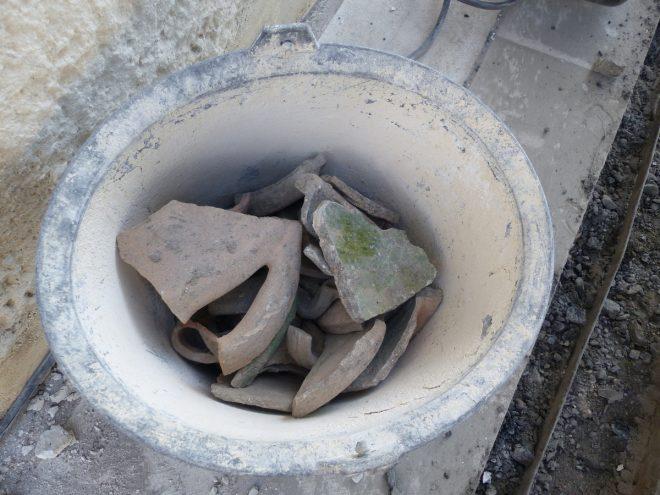 Eglise Ars-en-Ré - Fragments de poteries 17e et 18e siècle - 10 septembre 2018