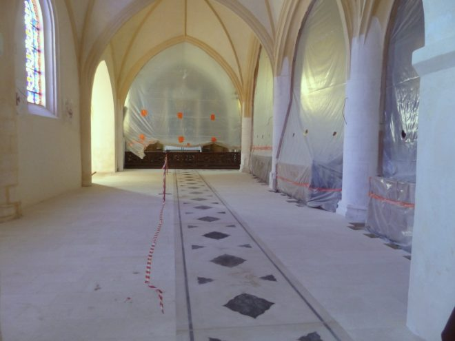 Eglise Ars - Sols intérieur et cabochons - 17 septembre 2018