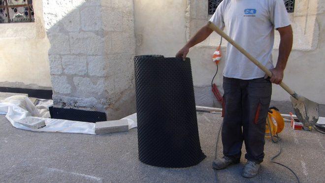 Eglise Ars - Travaux de drainage - Préparation - 25 septembre 2018