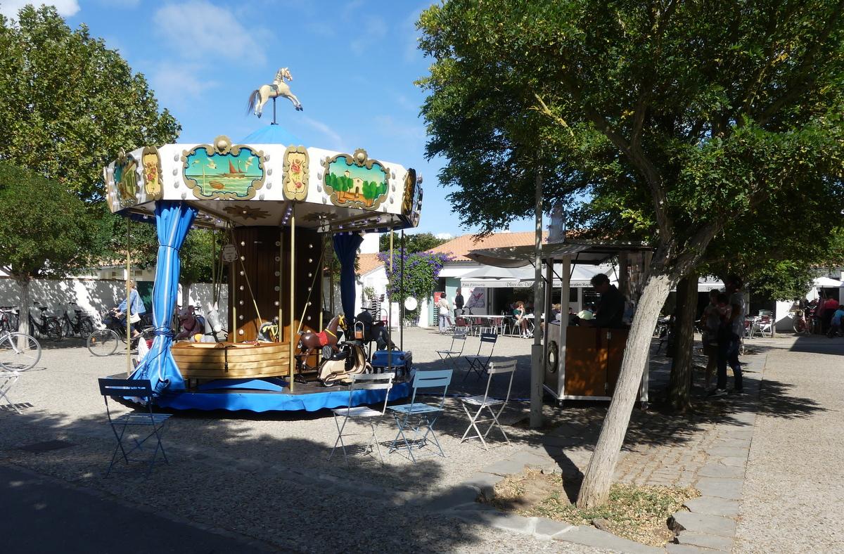 Loix - Centre bourg - Manège - 7 septembre 2019