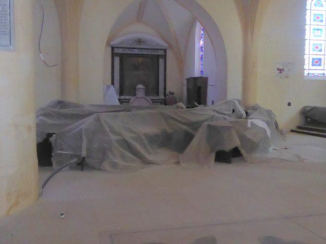 Ars - Stalles noires église - 29 août 2019