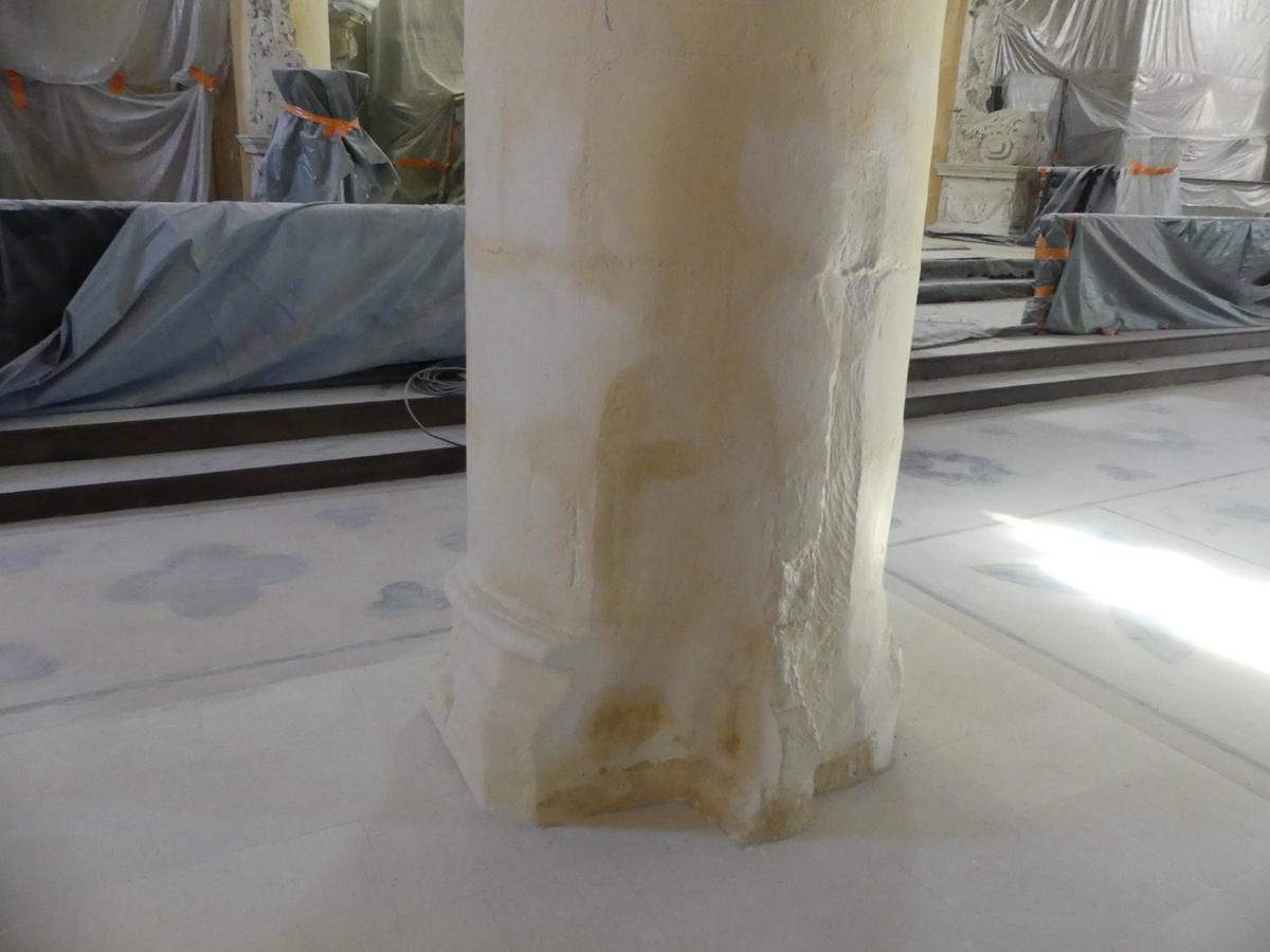 Ars - Eglise - Base de piliers - 12 septembre 2019