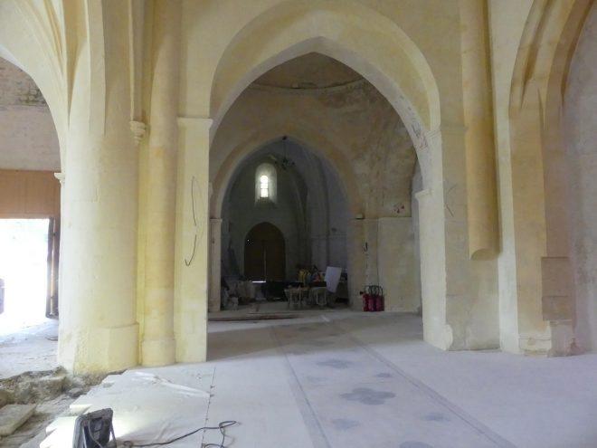 Ars - Eglise - Pilier avec pan coupé - 26 septembre