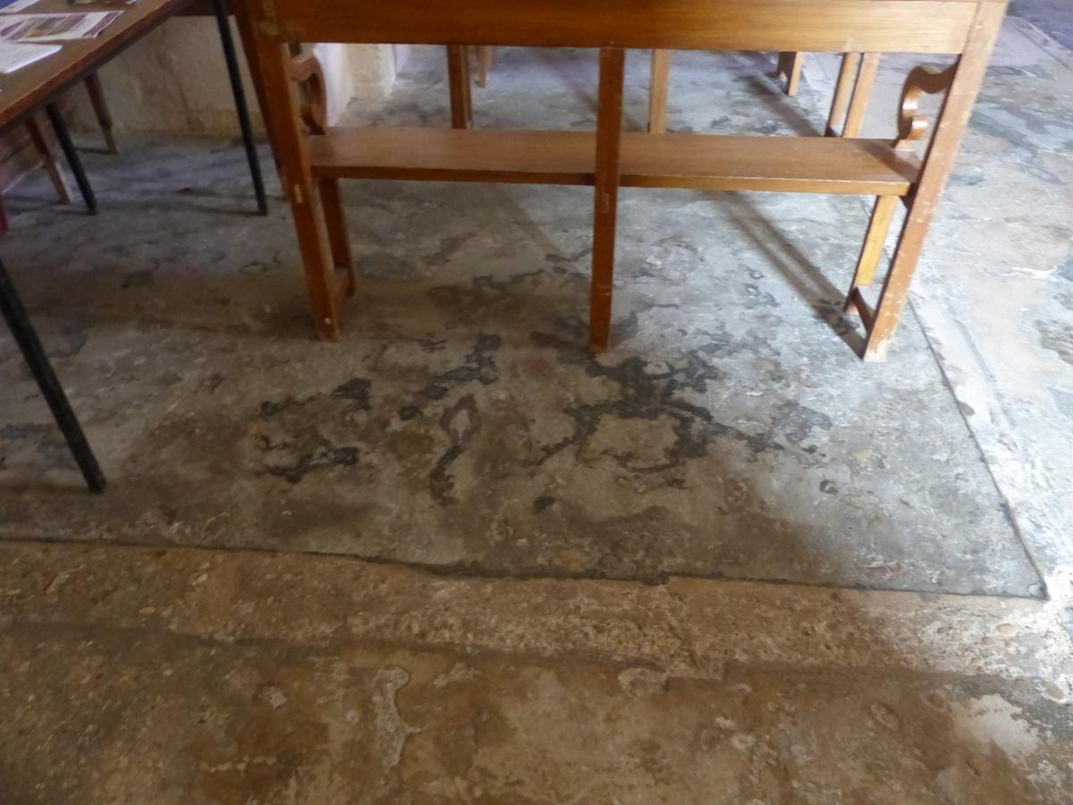 Ars - Travaux église - Nef centrale - Anciens sols - 18 juin 2018