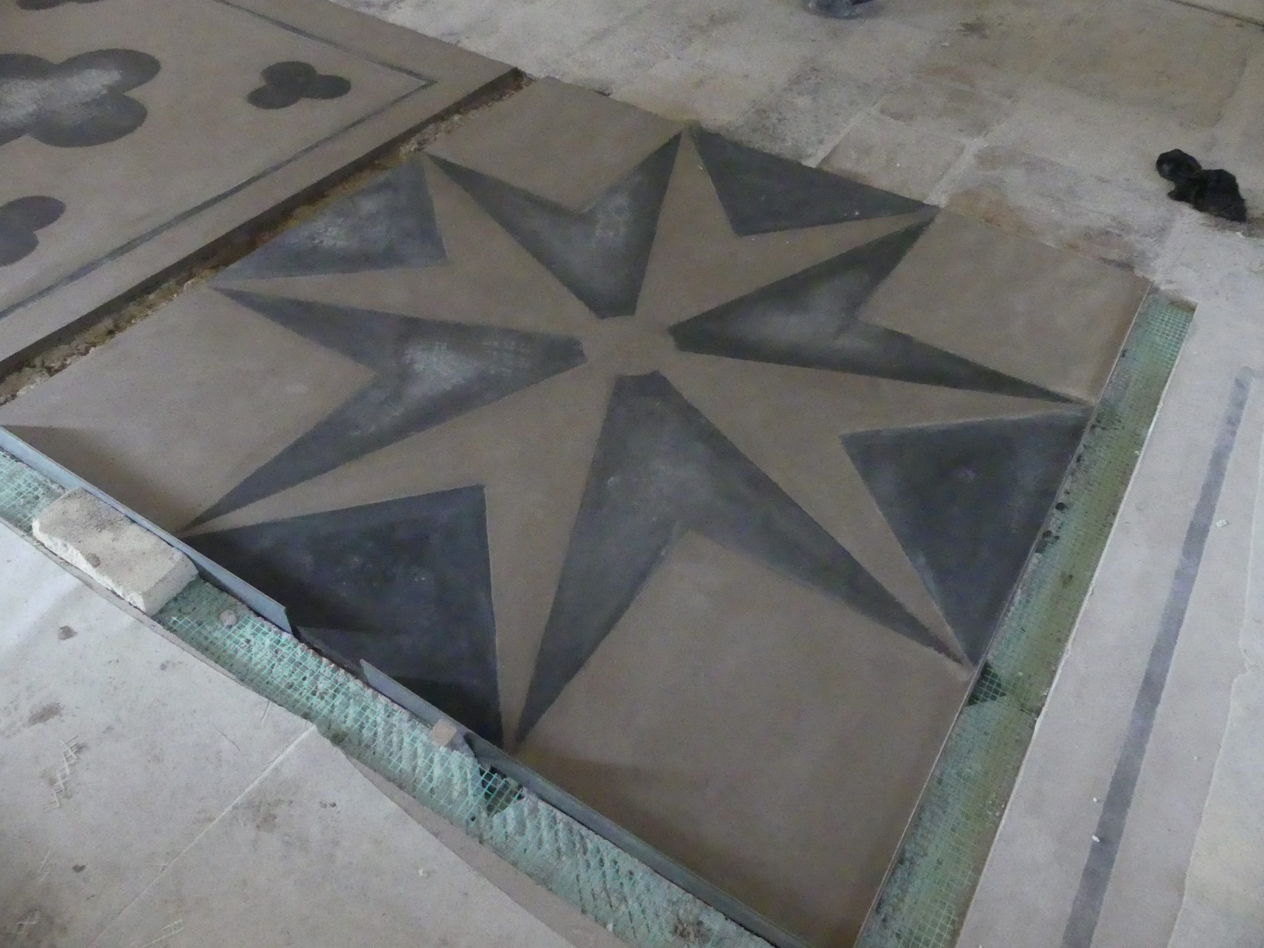 Ars - Eglise - Sol - Croix de Malte - 16 décembre 2019