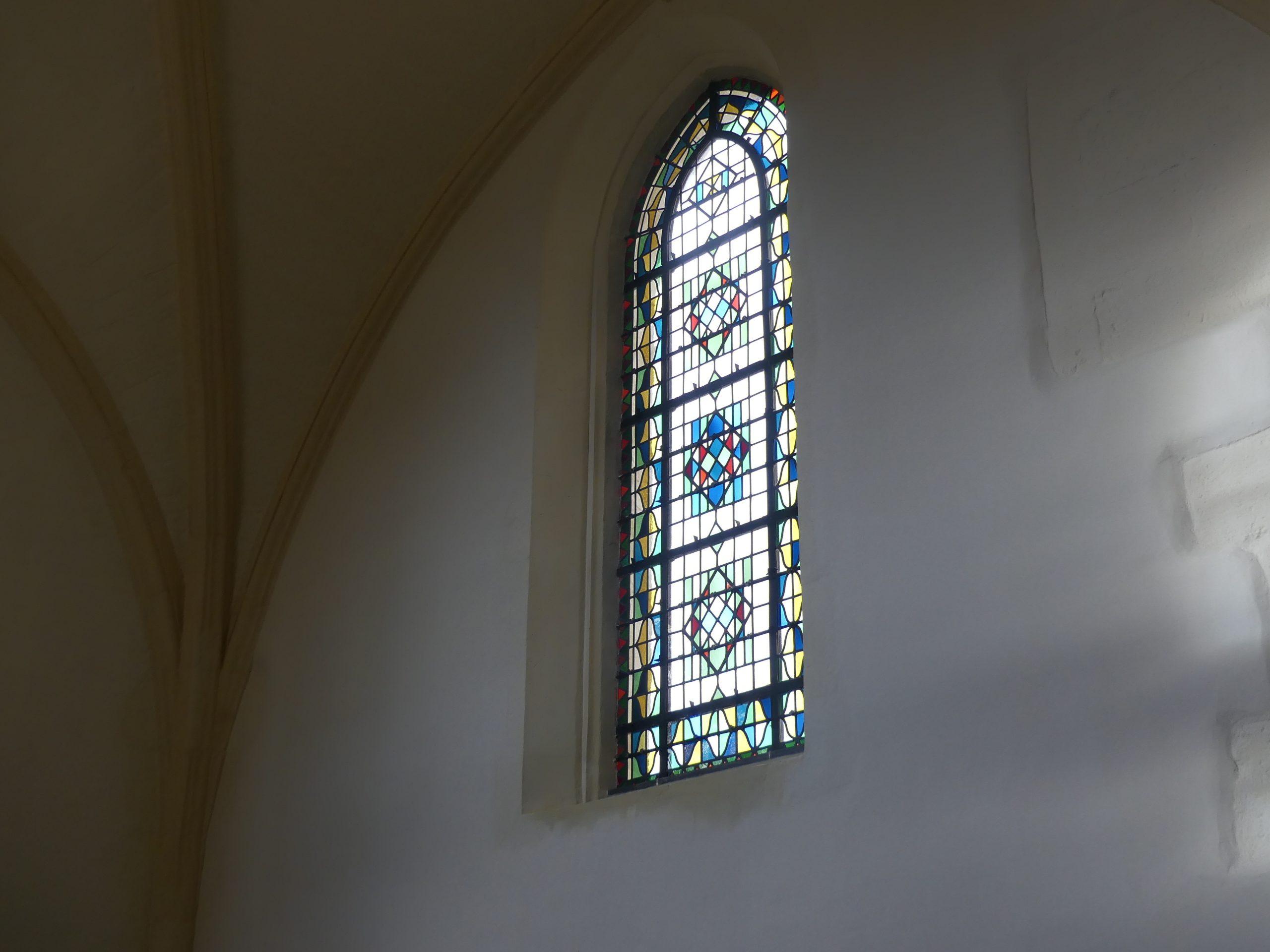 Ars - Eglise - Vitraux - 16 décembre 2019