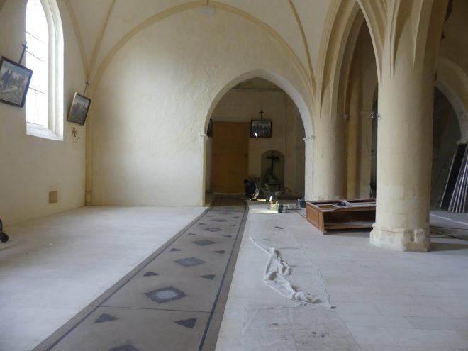 Ars - Eglise - Sol - Tapis de chaux - 16 décembre 2019