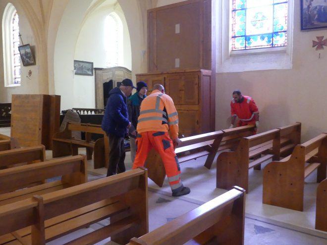 Ars - Eglise - Réinstallation bancs - 12 mars 2020