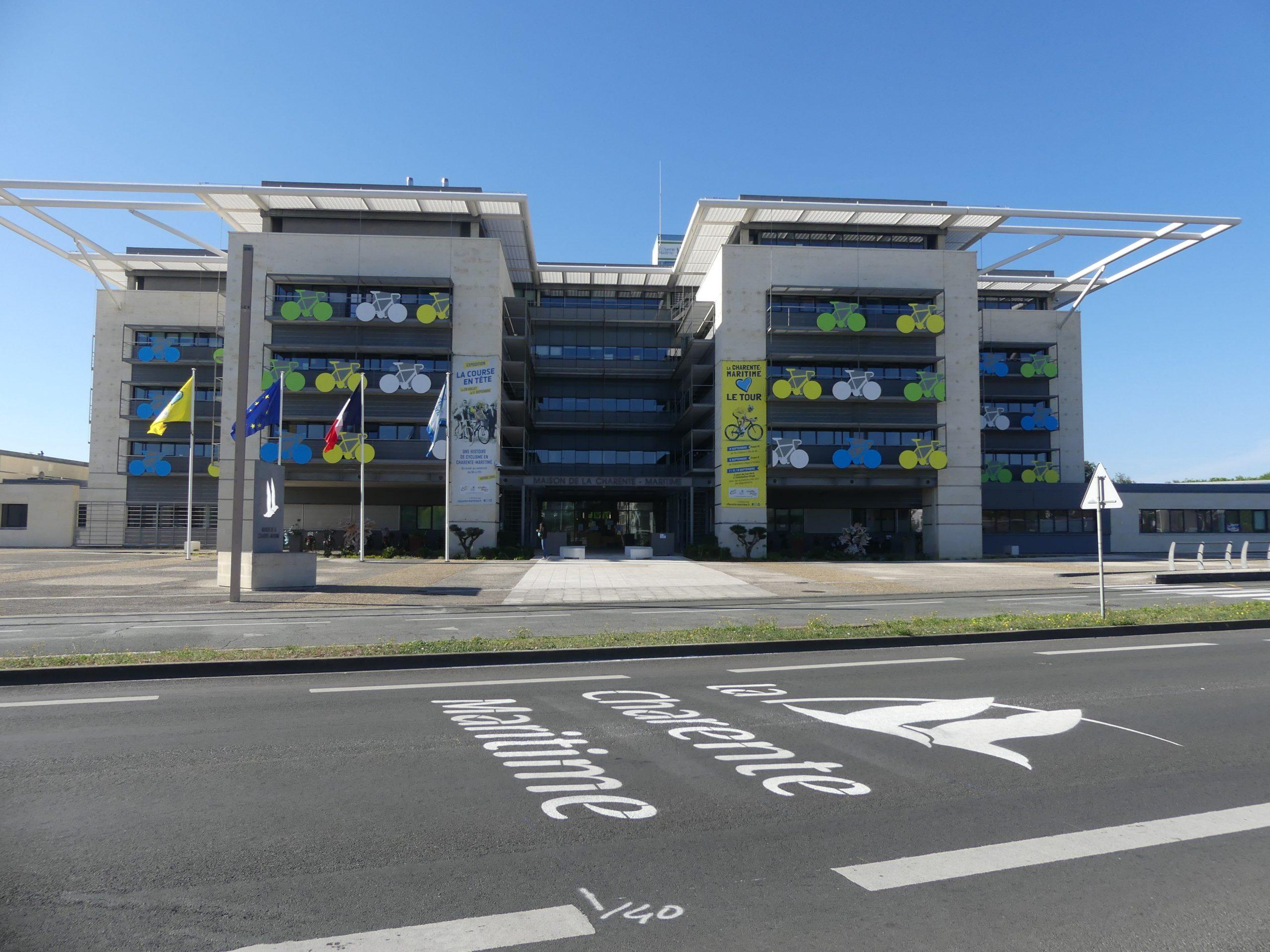 Tour de France Charente-Maritime - Immeuble Département - Septembre 2020