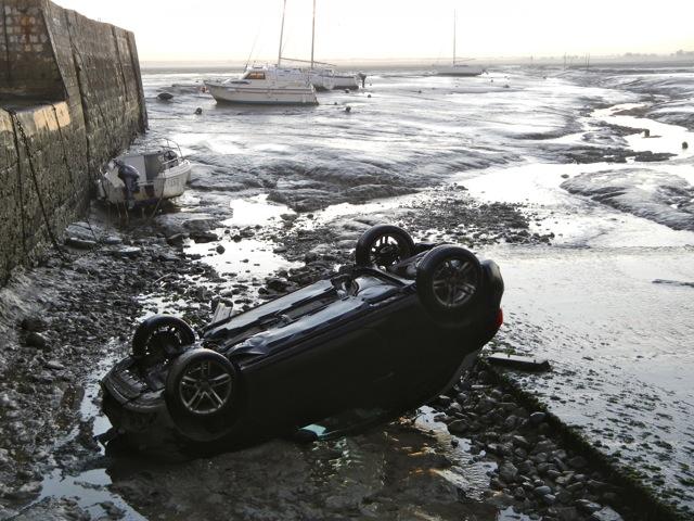 Audi dans le port de Loix