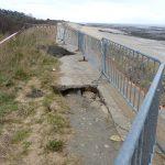 Trous comblés dans les digues rétaises