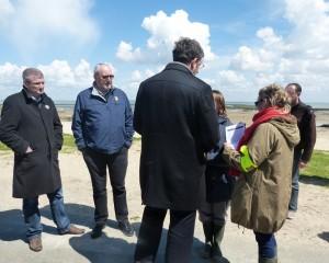 Olivier Farloni, député de la Charente-Maritime, Patrice Déchelette, maire de Saint-Martin de ré et Lionel Quillet, président de la CDC, en plein défriefing.