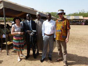 René et Flavie Chaussin et l'équipe de la radio d'Arbollé