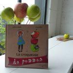 Aurélie et Chantal, croqueuses de pommes